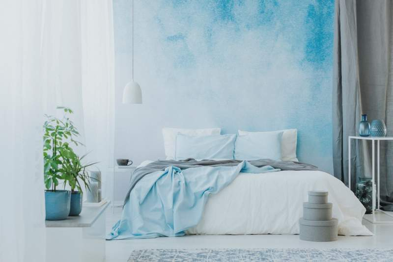 bed-on-ombre-wall
