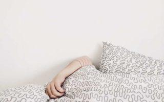 Bed-hand-women
