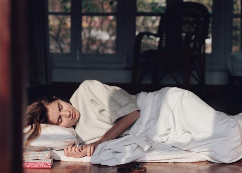 Asian-siesta-sleeping