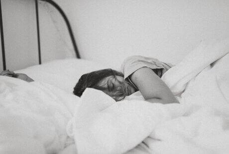 young-women-deep-sleep-bedding