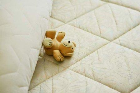 mattress-bed-pillow-sleep-relax